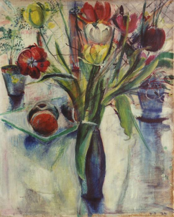 Blauwe vaas met tulpen en schaal met fruit - olie/doek 65x50 cm - B.E. '55; rechtsonder