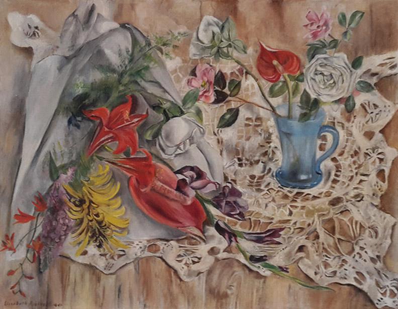 Stilleven bloemen en blauw vaasje op kanten kleed - olie/doek 55 x 70,5 cm - Elisabeth Rietveld 1941; linksonder