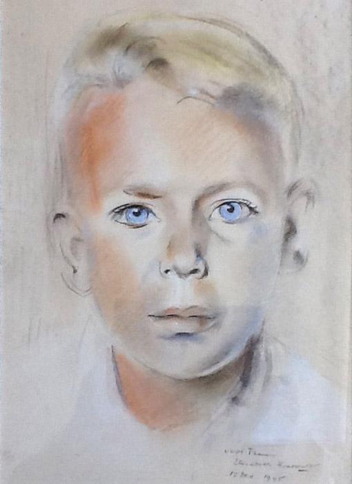 Maarten Schröder - pastel 31x22 cm - voor Truus Elisabeth Rietveld 15 Dec 1945; rechtsonder. De twee portretten van Maarten en Reynier Schröder maken oorspronkelijk deel uit van een dubbelportret dat in tweeën werd geknipt. Het portret werd in grote haast gemaakt omdat de jongens met hun vader met het vliegtuig naar Australië zouden vertrekken. Daar was ook hun moeder, die al eerder met hun zieke zusje was vertrokken.